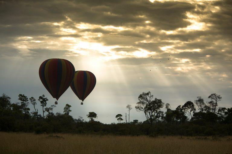Ballooning under the Mara rays