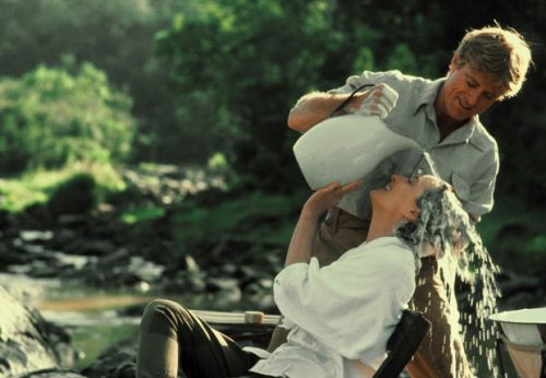 Robert Redford washes Meryl Streep's hair in 'Out of Africa'